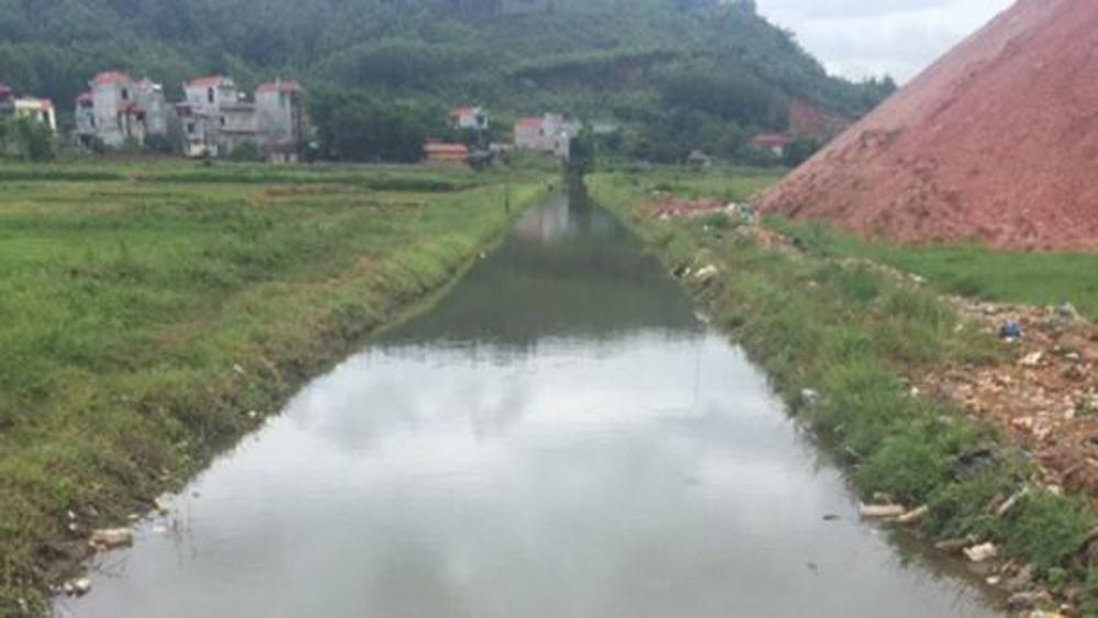 Tạm dừng cấp giấy phép xây dựng qua kênh Yên Lại