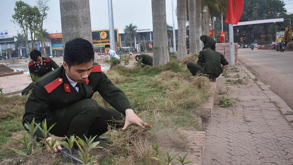 Gần 200 học viên Học viện Chính trị Công an nhân dân tham gia dọn vệ sinh môi trường