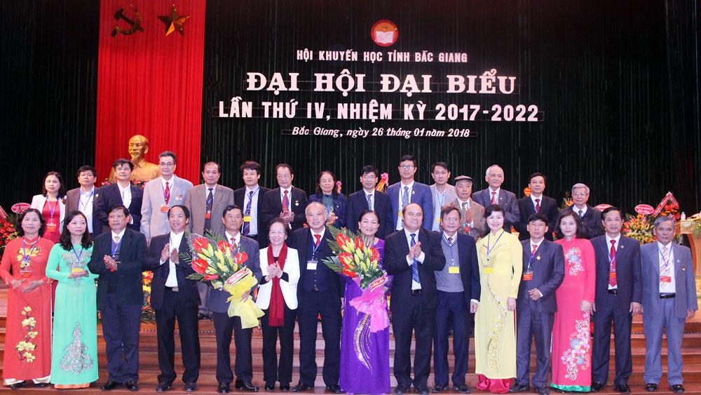Nguyên Bí thư Tỉnh ủy Đào Xuân Cần được bầu làm Chủ tịch Hội Khuyến học tỉnh khóa IV