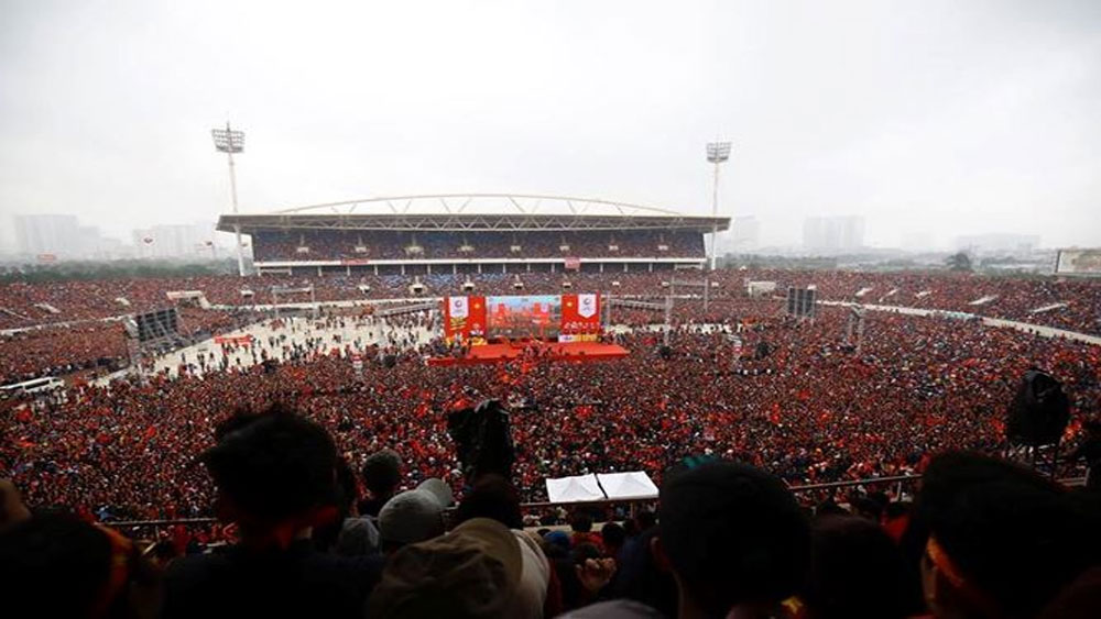 7 vạn cổ động viên nhuộm đỏ sân vận động quốc gia Mỹ Đình