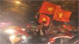 """Người dân Bắc Giang vẫn đổ ra đường diễu hành hô vang """"Việt Nam vô địch"""""""