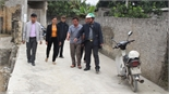 Cứng hóa đường nông thôn bằng xi-măng Bắc Giang: Có tình trạng bê tông chậm đông kết
