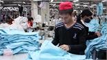Công ty cổ phần May xuất khẩu Hà Bắc: Mỗi công nhân được thưởng 1,2 tháng lương bình quân