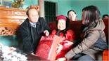 Chủ tịch UBND tỉnh Nguyễn Văn Linh thăm, tặng quà người có công, hộ nghèo huyện Tân Yên