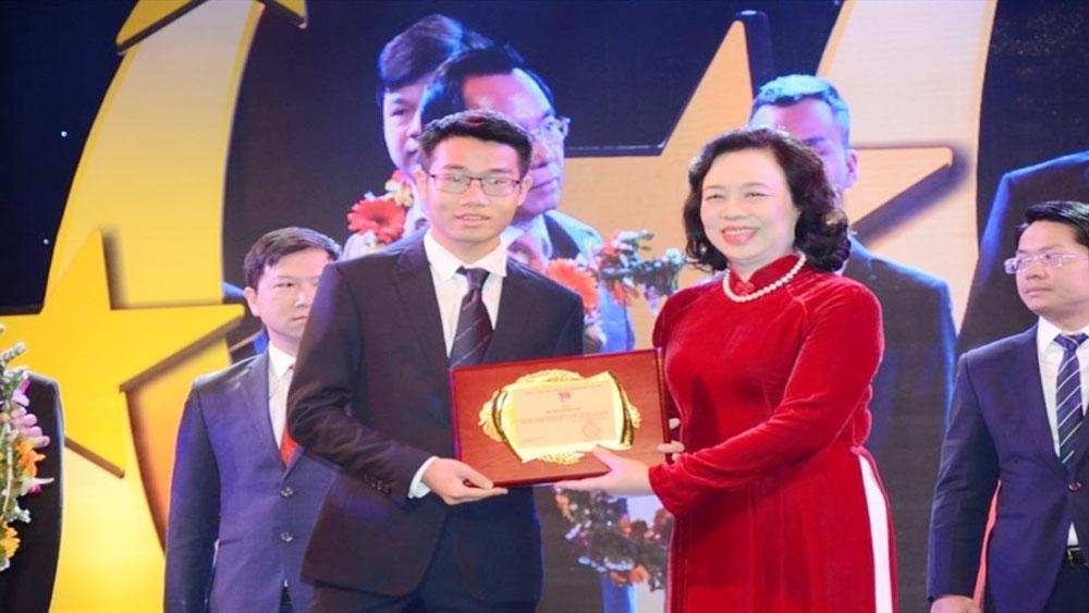 """Chàng trai """"vàng"""" Hoá học Việt Nam nhận học bổng du học 6,4 tỷ đồng"""