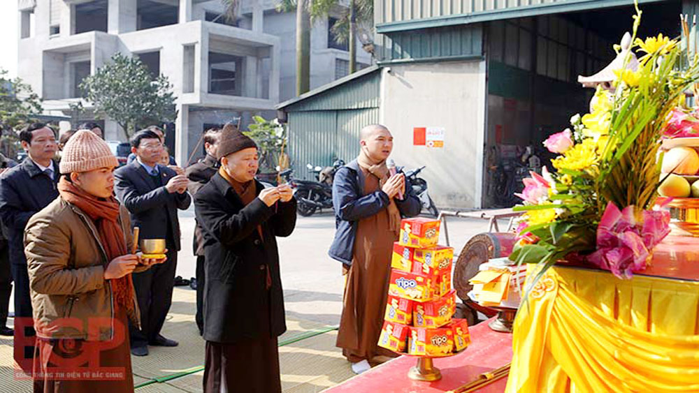 Bac Giang leader attends statue casting ceremony of Buddhist Emperor Tran Nhan Tong