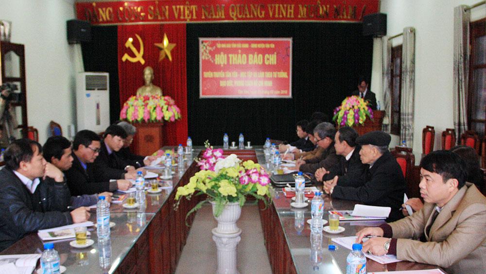 """Hội thảo  """"Tuyên truyền Tân Yên - Học tập và làm theo tư tưởng, đạo đức, phong cách Hồ Chí Minh"""""""
