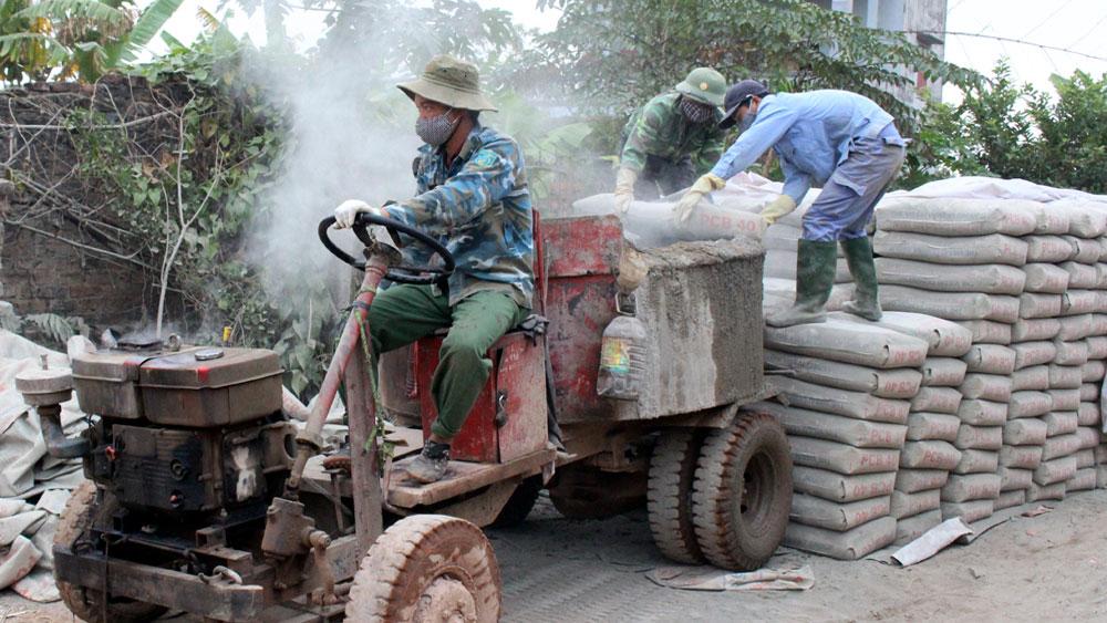 Lạng Giang: 10 tỷ đồng hỗ trợ xi - măng cứng hóa đường nông thôn