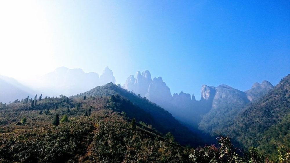Khám phá núi Ngũ Chỉ Sơn hùng vĩ ở Sa Pa