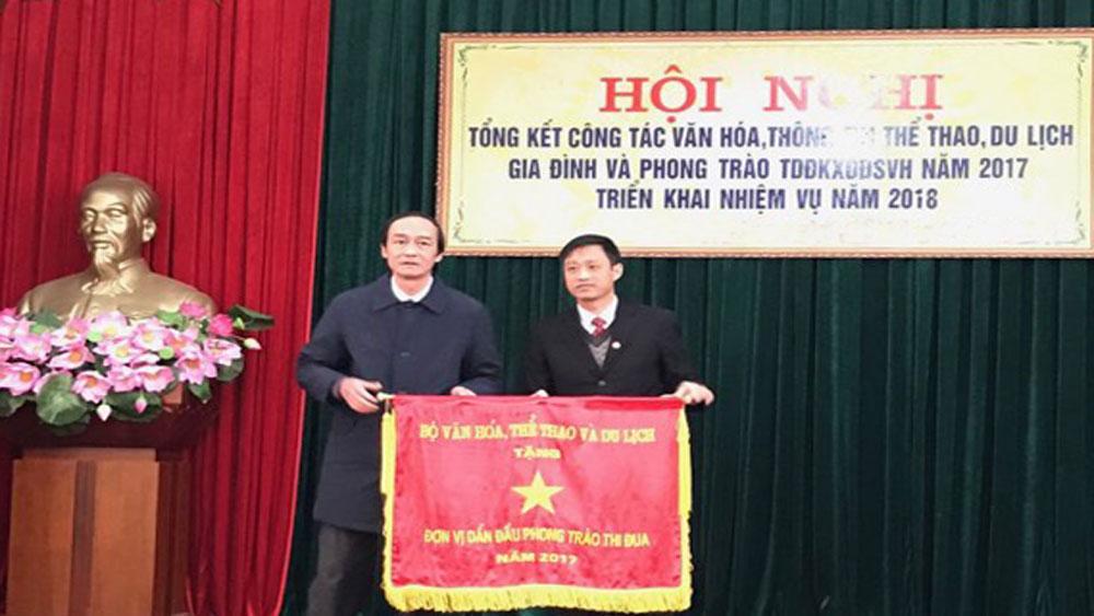 Ngành văn hóa huyện Yên Dũng được tặng cờ  đơn vị dẫn đầu phong trào thi đua