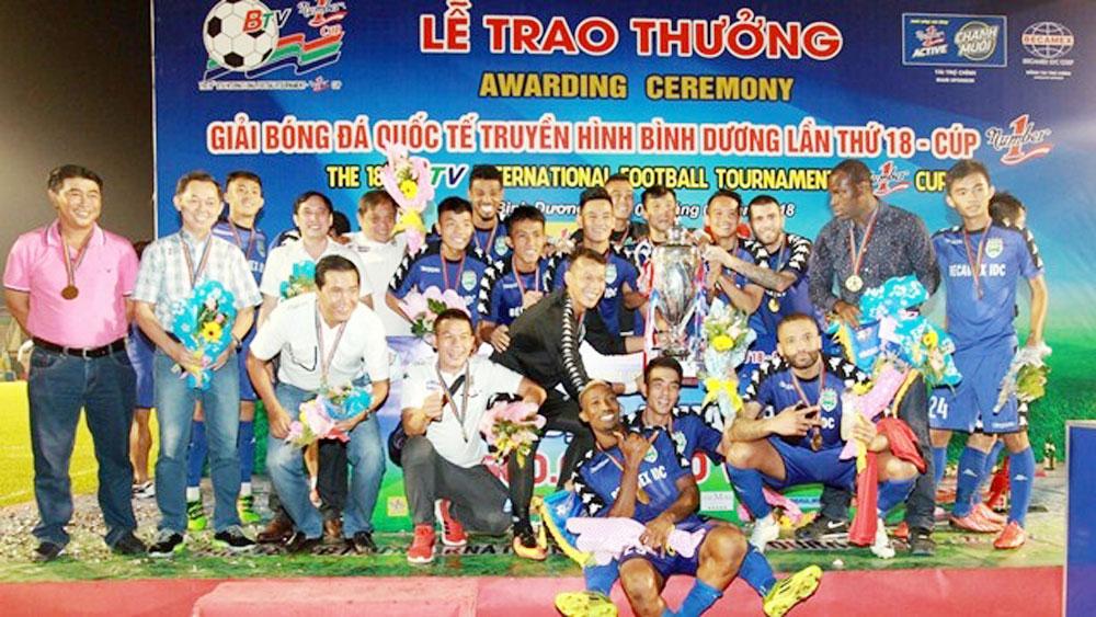 Becamex Binh Duong wins int'l football tournament