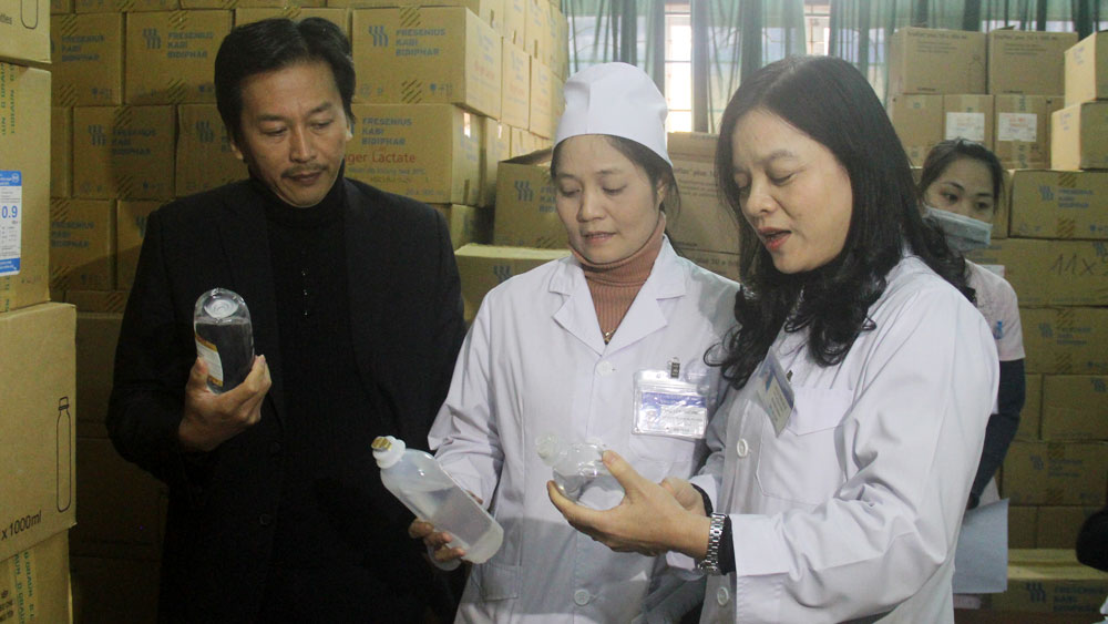 Kiểm tra việc chuẩn bị khám, chữa bệnh trong dịp Tết