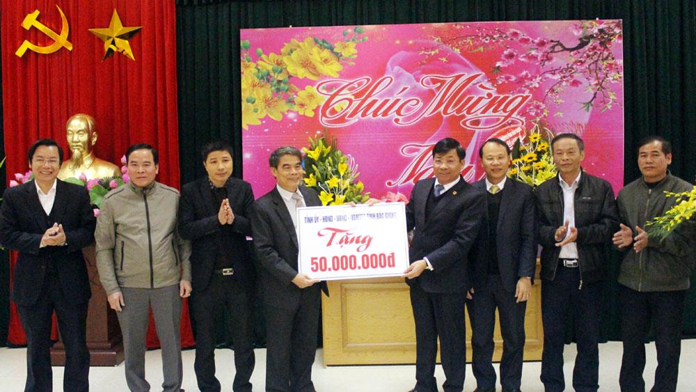 Phó Chủ tịch UBND tỉnh Dương Văn Thái chúc Tết Công ty cổ phần Quản lý công trình đô thị Bắc Giang
