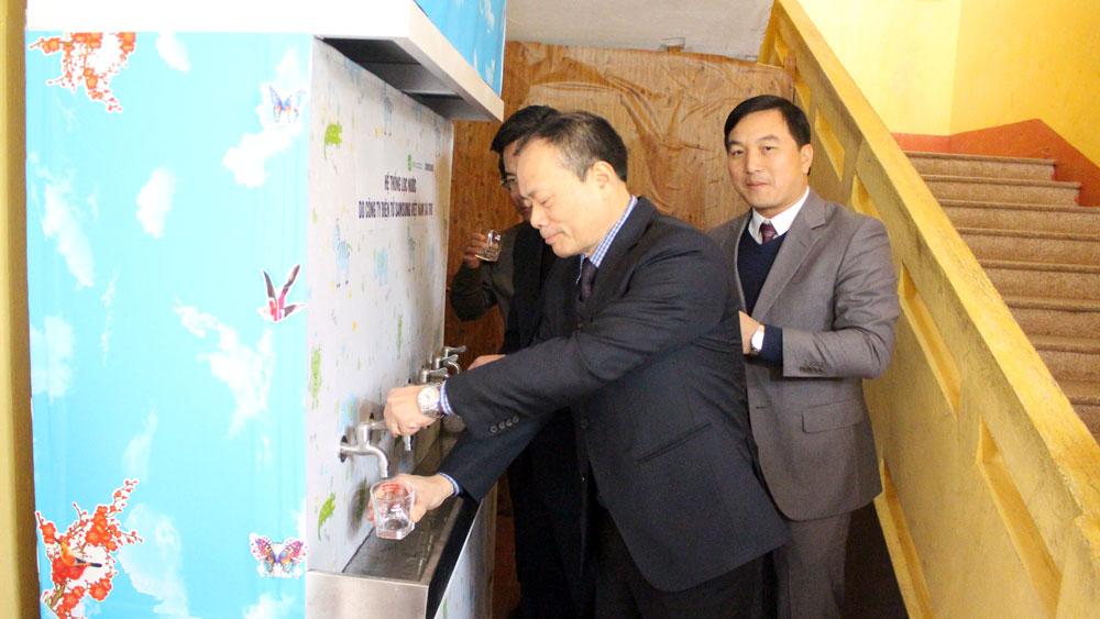 Nhiều trường học được hưởng dự án công trình vệ sinh và hệ thống nước lọc