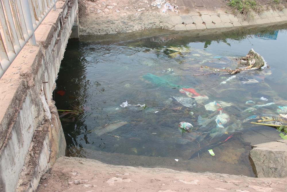 Tết ông Công, ông Táo, ngập rác, sông, hồ, Bắc Giang