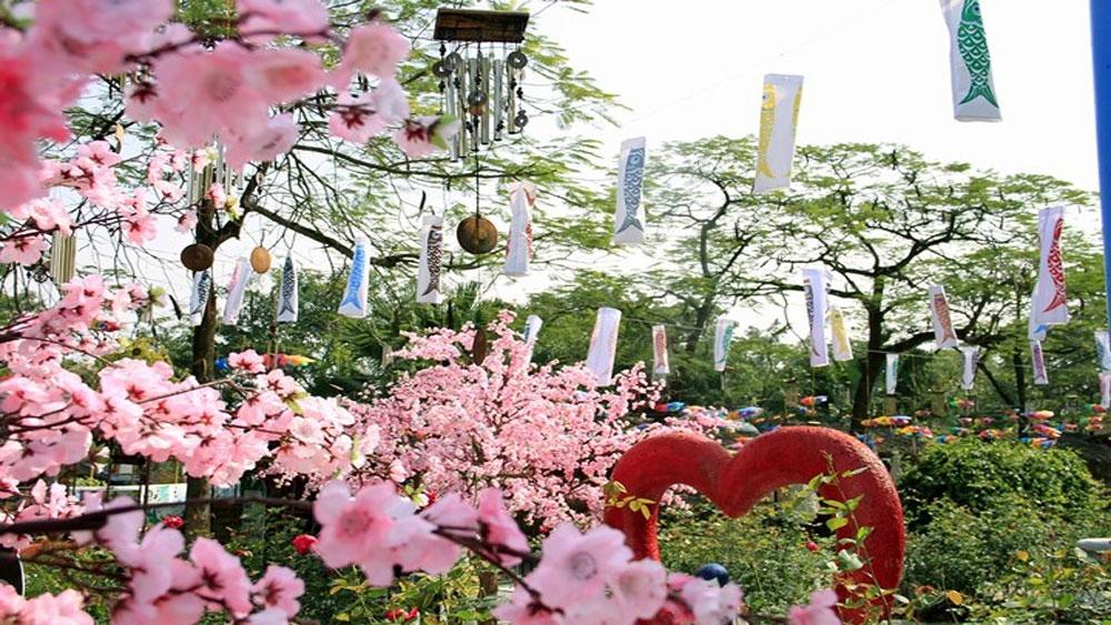Địa điểm vui xuân Mậu Tuất hấp dẫn tại Hà Nội