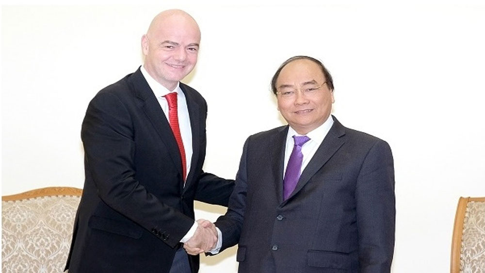 PM appreciates FIFA's support for Vietnam's football development