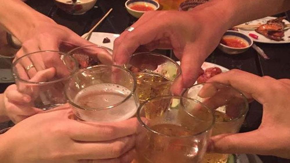 'Bí quyết' tránh ngộ độc bia rượu cực hiệu quả
