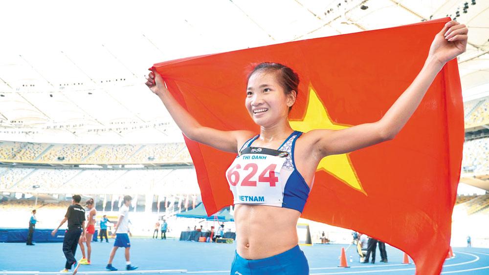 Nguyen Thi Oanh shines on running track