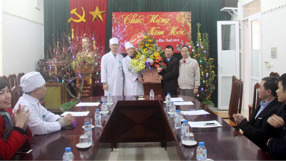 Phó Chủ tịch UBND tỉnh Lê Ánh Dương chúc Tết một số bệnh viện