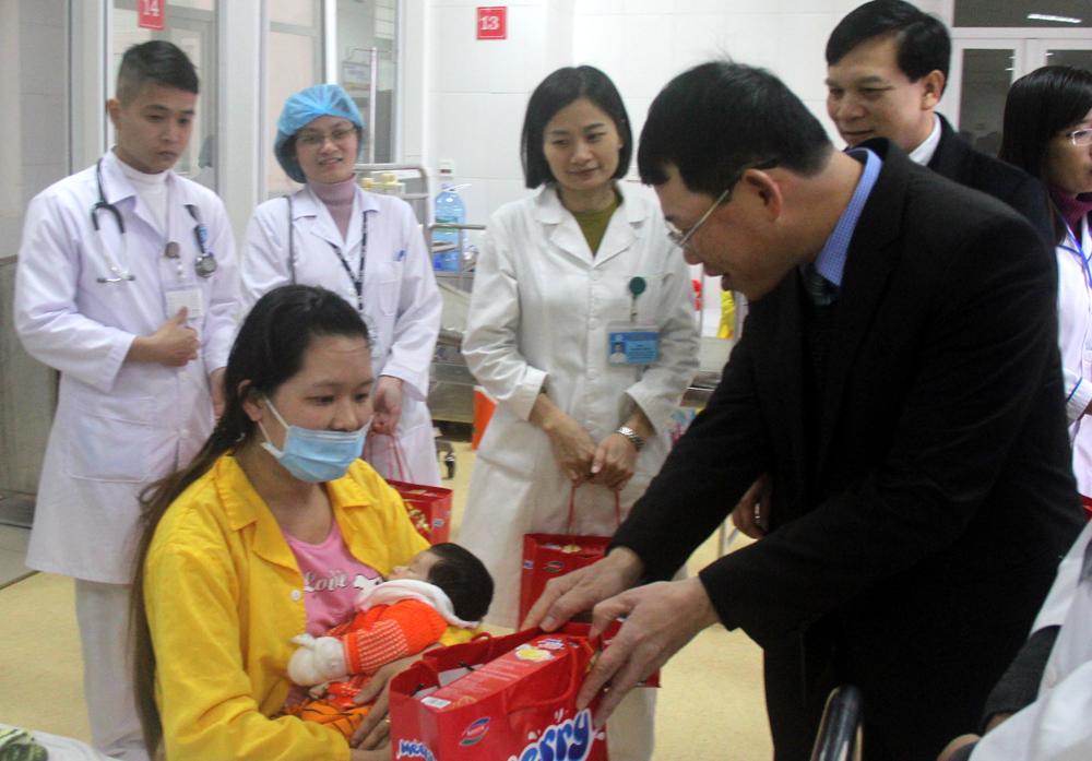 Phó Chủ tịch UBND tỉnh,  Lê Ánh Dương,  chúc Tết,  bệnh viện,  Sở Y tế
