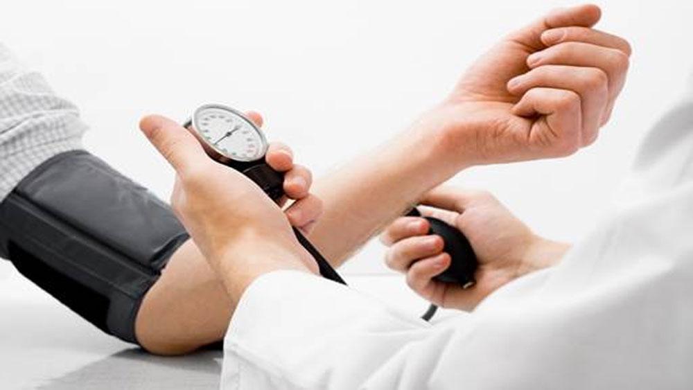 Mẹo phòng tránh cao huyết áp khi vui chơi Tết