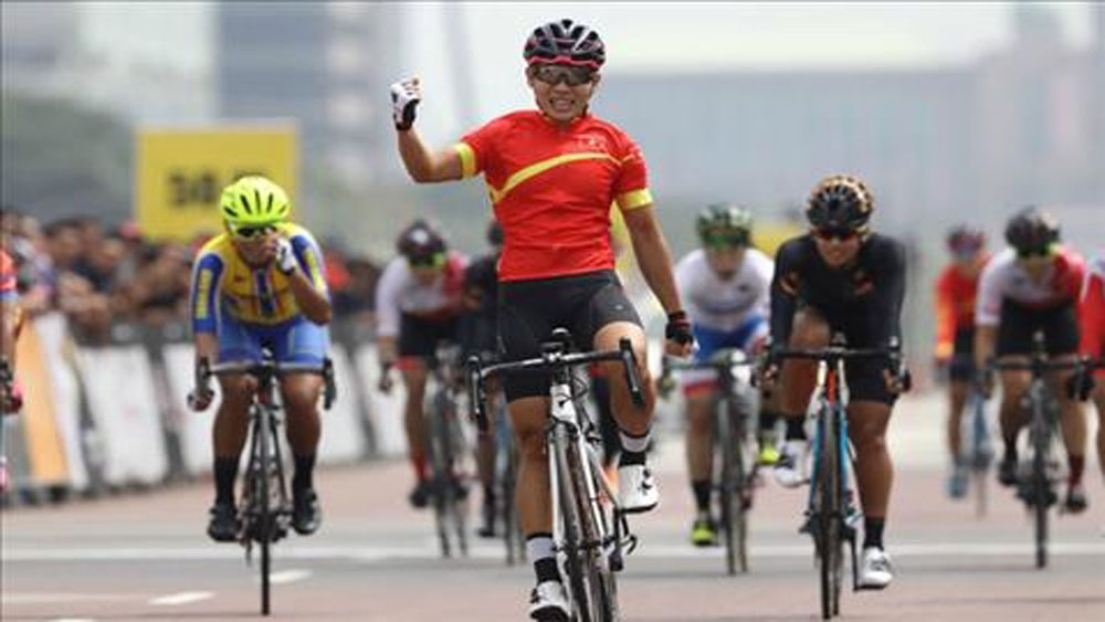 Vietnam wins first women's Asian cycling title