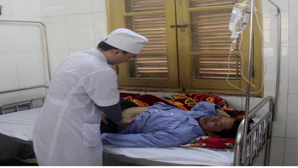 Bệnh viện Đa khoa tỉnh Bắc Giang: Giáp Tết, bệnh nhân nhập viện liên quan đến rượu, bia tăng