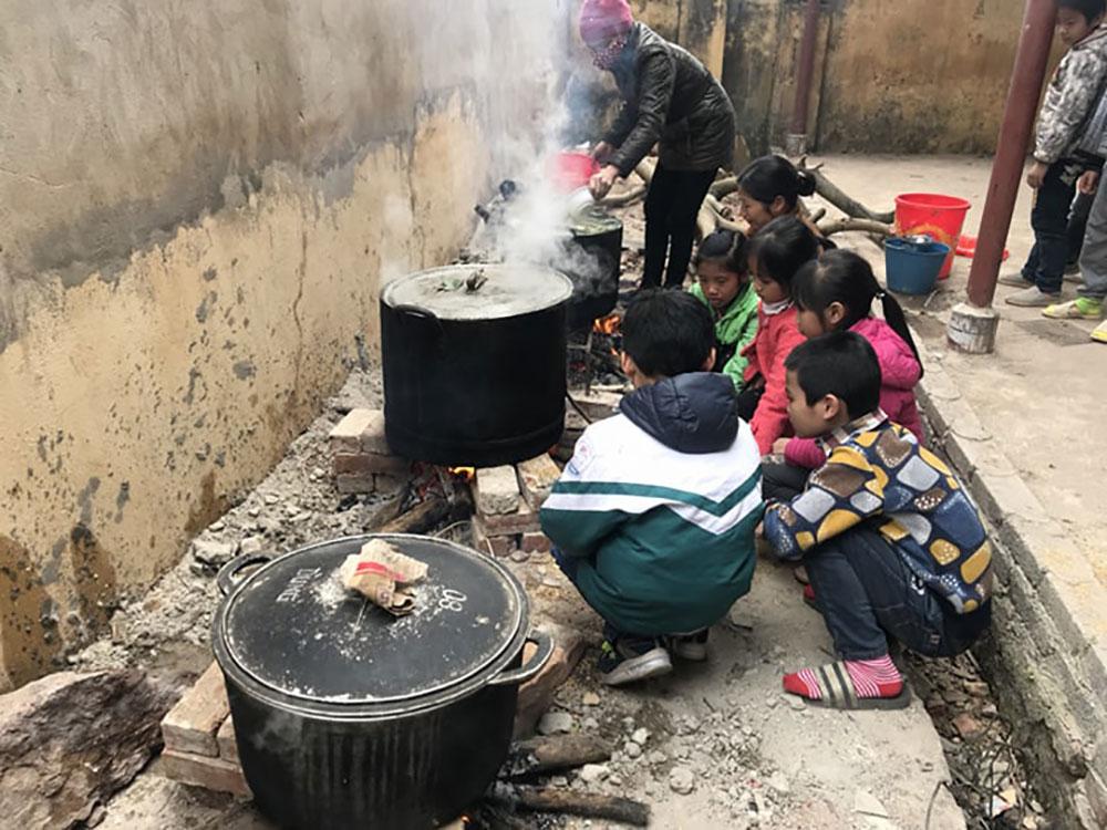 Tết, Mậu Tuất, năm 2018, người nghèo, bánh chưng, quà