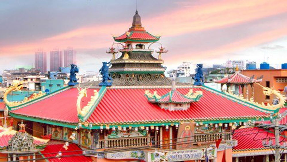 170-year-old pagoda is popular tourist site in HCM City