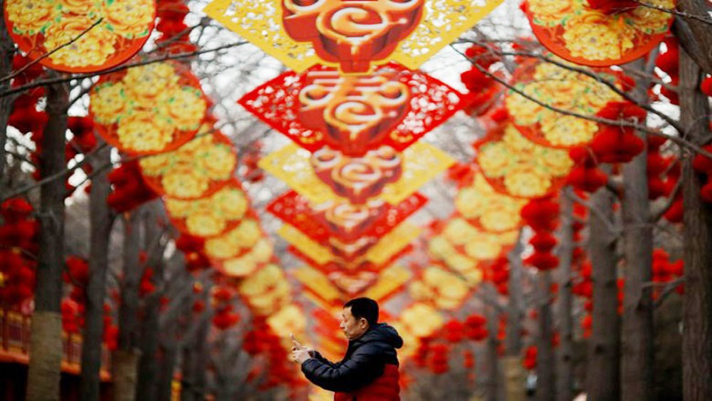 Lunar New Year shines across Asia