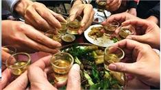 Sai lầm chết người với mẹo uống mãi không say