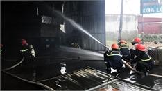 Việt Yên: Cháy gara ô tô