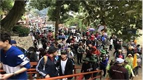 5 ngày Tết, hơn 12 vạn du khách về Yên Tử