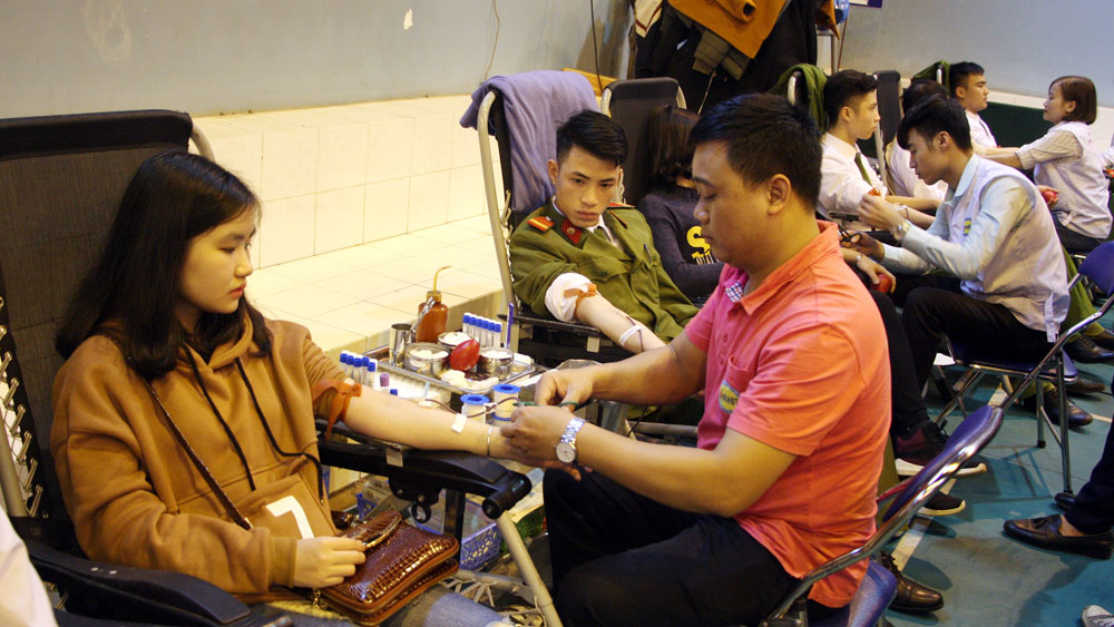 Bac Giang province receives over 4,000 safe blood units