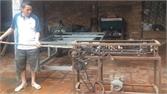 Một nông dân chế tạo thành công máy cạo vỏ mía tự động