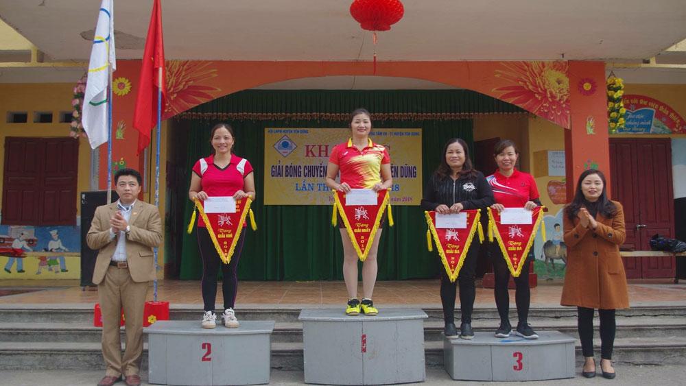 Gần 300 VĐV tham gia giải bóng chuyền hơi nữ năm 2018