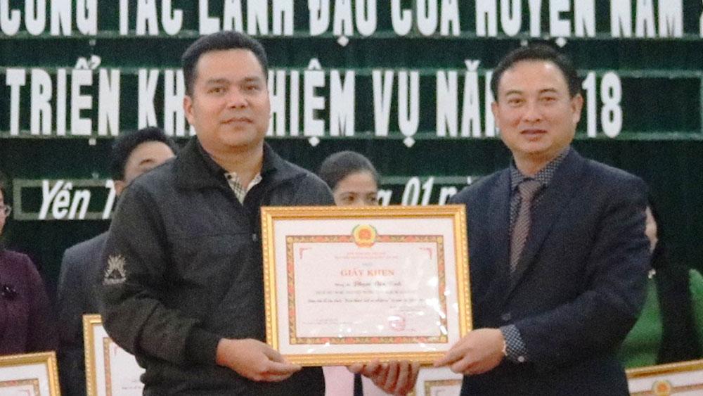 Thầy giáo Phạm Văn Bình: Nhiều năm đạt chiến sĩ thi đua