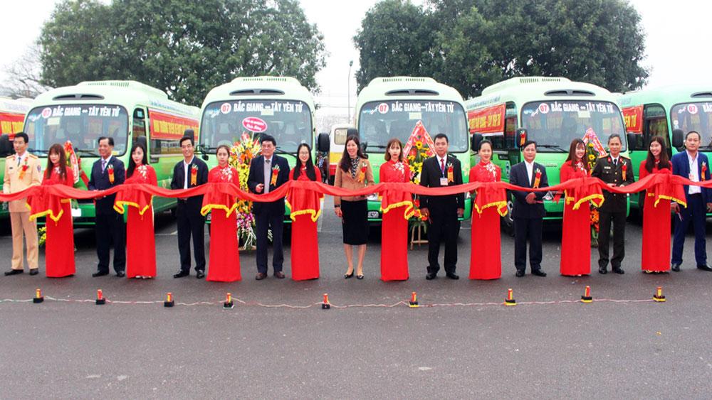 Khai trương tuyến xe buýt TP Bắc Giang - Tây Yên Tử: 6 chuyến xe miễn phí phục vụ người dân trẩy hội