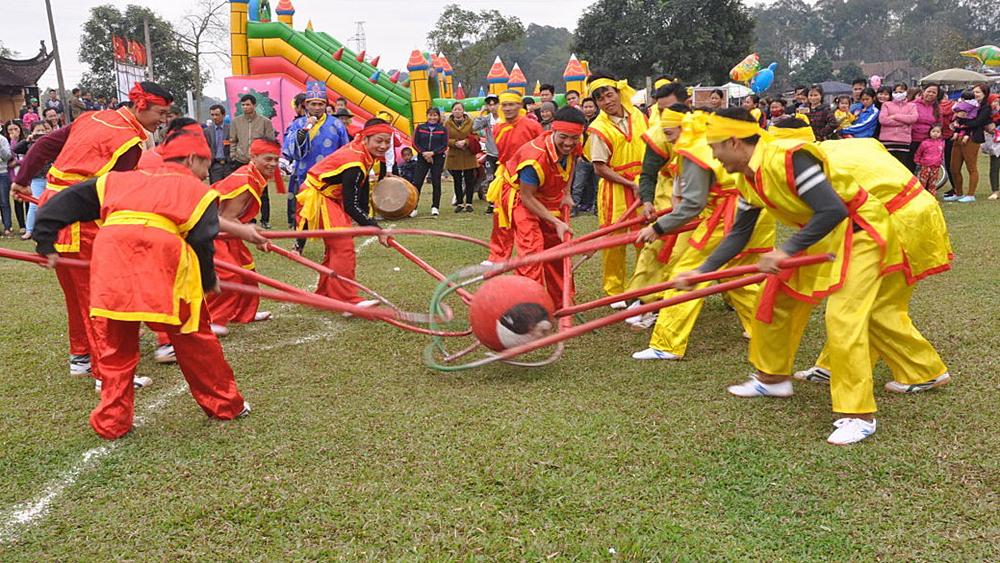 Nhiều trò chơi dân gian trong hội làng thôn Nội Hạc, xã Việt Lập