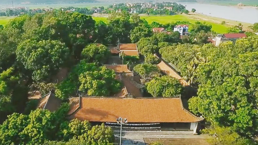 Numerous visitors flock to Vinh Nghiem pagoda