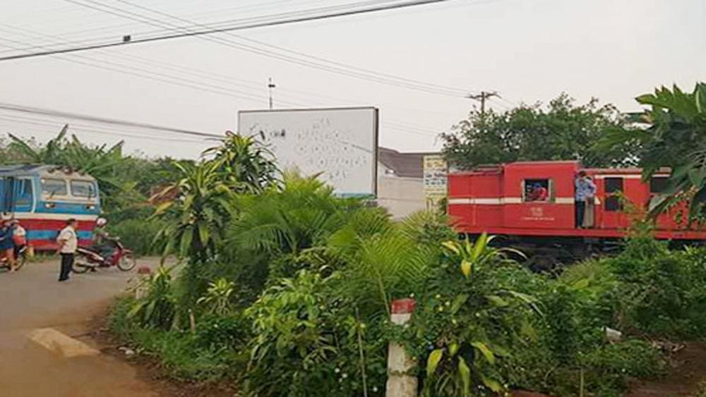 Lái tàu khách nhận sai sót khiến hai tàu suýt tông nhau ở Đồng Nai