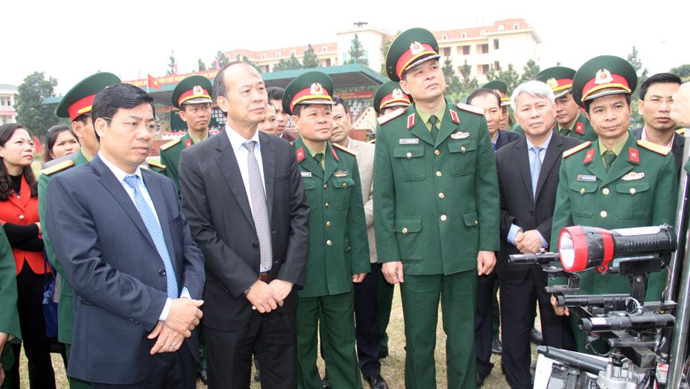 Tổ chức huấn luyện lực lượng vũ trang phù hợp với từng đối tượng, địa bàn
