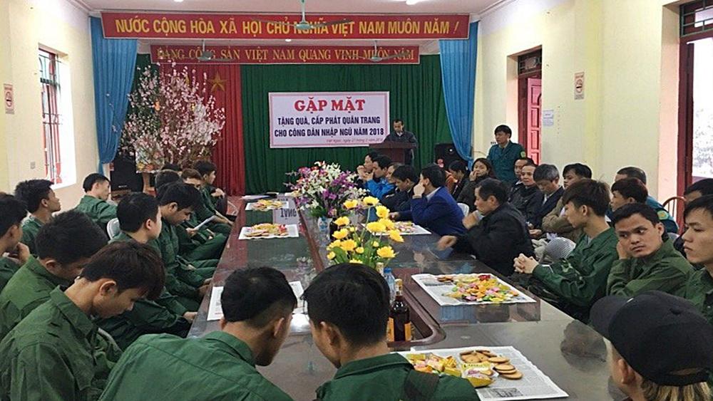 Việt Ngọc gặp mặt, động viên công dân nhập ngũ