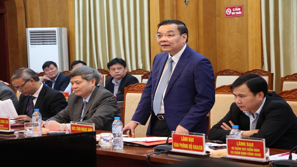 Bộ trưởng Bộ Khoa học và Công nghệ Chu Ngọc Anh làm việc tại Bắc Giang