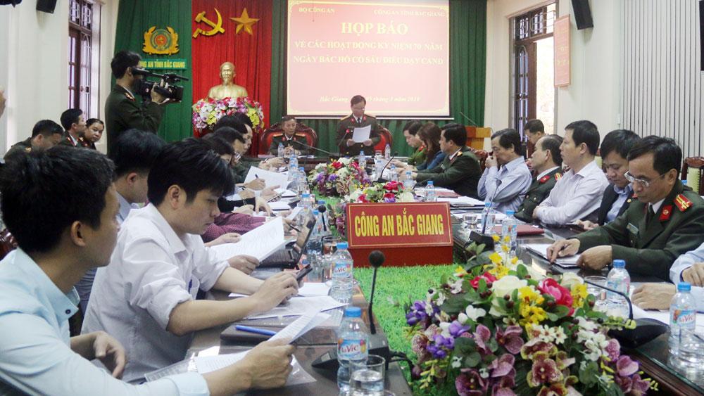 Nhiều hoạt động tại Lễ kỷ niệm 70 năm ngày Bác Hồ có 6 điều dạy CAND tại Bắc Giang