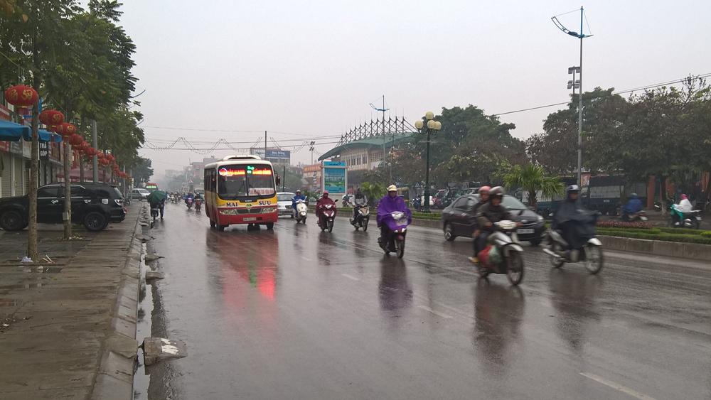 Bắc Giang: Mưa rào và dông, trời chuyển rét