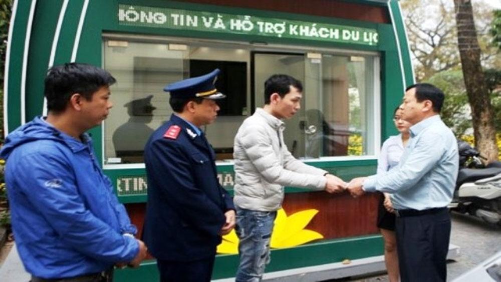 Xử phạt lái xe taxi 6,4 triệu đồng do gian lận cước người nước ngoài