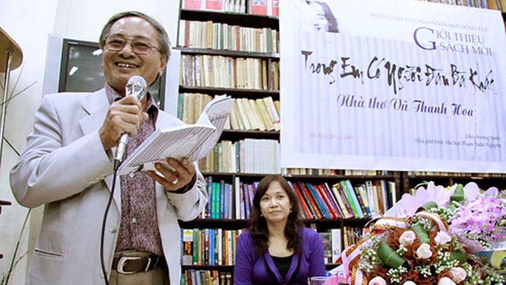 Nhà thơ Trần Ninh Hồ: Né mình đi cho ánh sáng tràn vào!
