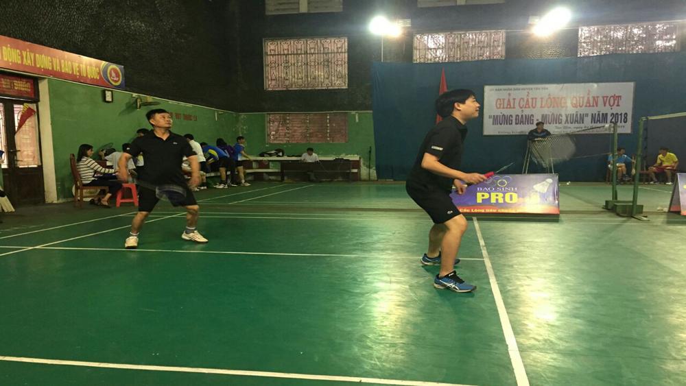 Tổ chức giải cầu lông, quần vợt truyền thống